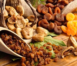 DRIED FRUITS(FIGS,APRICOT,RAISINS...AVAILABLE)
